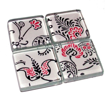 imcreations2-PECKLED BLACK n RED - Set of 4 Glass Magnets with Tin Container